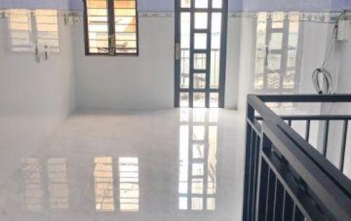 Bán nhà 1 lầu đẹp nở hậu hẻm 42 Huỳnh Tấn Phát quận 7.