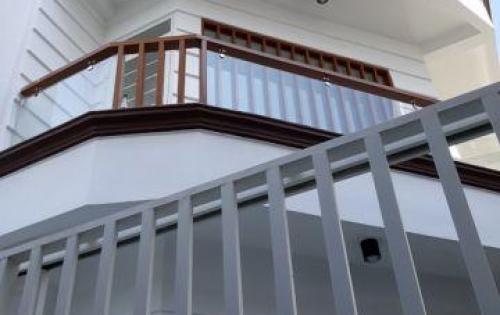 Bán nhà 2 lầu đúc mới 100% hẻm 198 Dương Bá Trạc phường 2 Quận 8