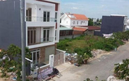 Bán nhà biệt thự mới xây gần Chợ Nhị Xuân giá 2ty400