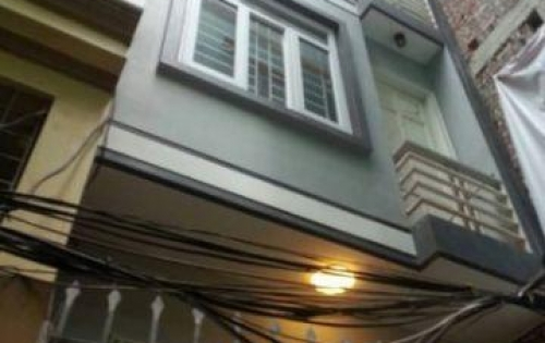 Gia đình cần bán nhà mặt tiền đường Huỳnh Văn Bánh, Phú Nhuận