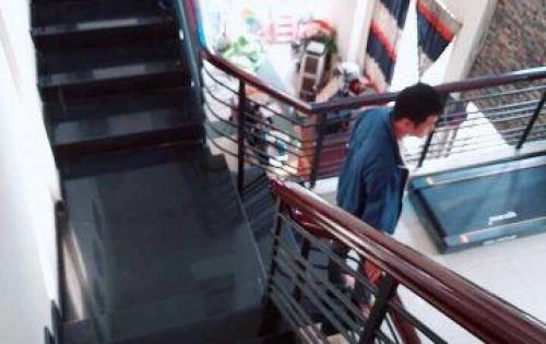 Chính chủ bán biệt thự HXH Lê Minh Xuân 150m2, P7, Tân Bình giá 15.5 tỷ TL.