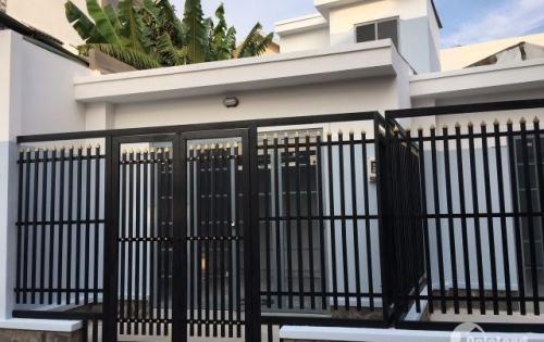 Cần bán gấp nhà mặt tiền giá rẻ  ở P.Linh Tây, gần trung tâm Thủ Đức