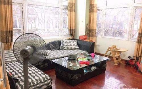Bán nhà ở Võng Thị, Tây Hồ, lô góc, oto tránh, giá 10 tỷ.