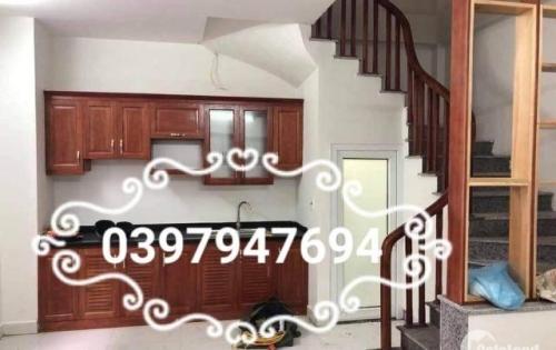 Chính chủ bán gấp 2 căn 5 tầng mới xây trong Triều Khúc; TX; Hà Nội;  Lh: 039.794.7694