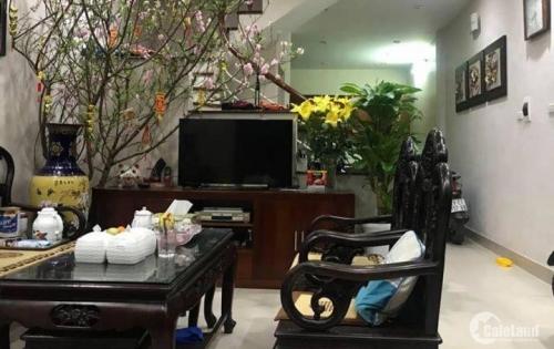 Nhà lô góc, siêu đẹp, Cù Chính Lan, 31m2x5t, giá vô cùng hấp dẫn.