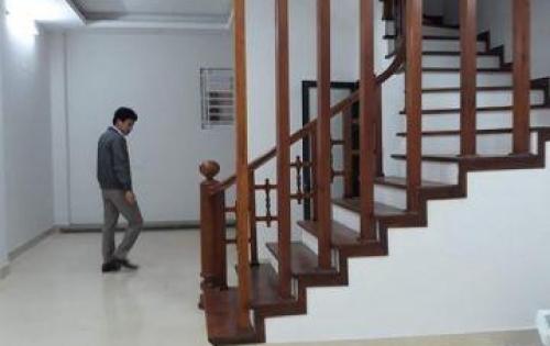 Bán nhà Hoàng văn Thái: 50m2, xây 5 tầng. MT: 5m, nhà 2 mặt ngõ,