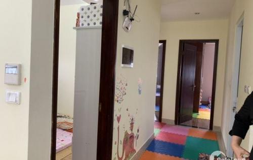 Bán căn hộ tòa A3 trong tháng, căn số 13, căn góc