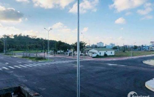 Cho thuê nhà 4 tầng MT đường Nguyễn Tri Phương,  giá thuê: 30 triệu/tháng, hướng đông