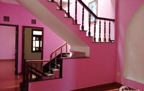 9.Tôi cần cho thuê nhà 3 tầng đường Lê Hồng Phong, Nha Trang, 120m2, 25 triệu/tháng