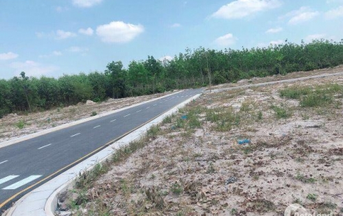 Bán gấp lô đất, thổ cư 100%, SHR. Ở Long Thành Đồng Nai. giá 6tr/m2