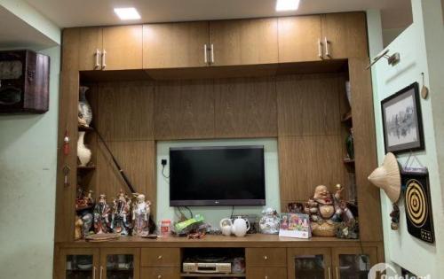 Chính chủ cần bán căn hộ chung cư số 6 Phố Đội Nhân, Ba Đình.