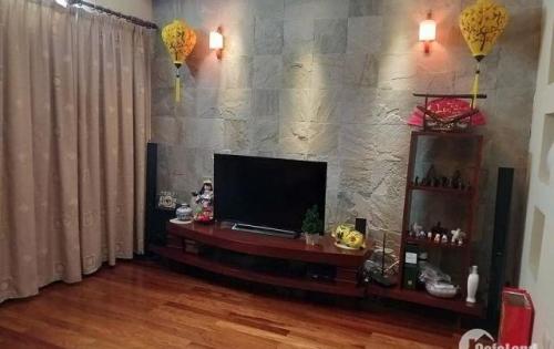 Bán nhà ở cực đẹp ở Đào Tấn, DT 62m2, MT 5.2m, giá 9.5 tỷ. (LH:0982489445)