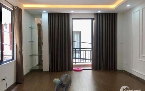 Nhà mới ở ngay Thịnh Quang, lô góc, gara, full nội thất. 49m2x6T thang máy, Mt 4m. Giá 6.4 tỷ