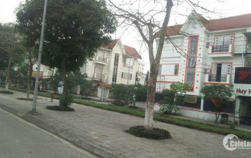 Cần bán gấp căn biệt thự song lập Đặng Xá, 250m2, 3 tầng. lh:  0354806613