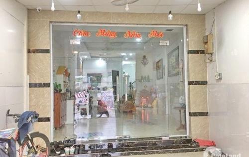 Bán nhà 1 lầu đẹp số 136 mặt tiền Nguyễn Văn Linh quận 7.