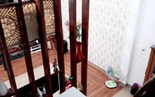 Cần bán nhà gấp 1 trệt 1 lầu, đường Long Phước, Quận 9, liên hệ 0916372826