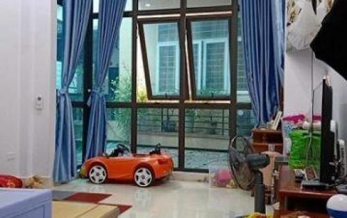 Bán nhà 2 mặt thoáng phố Thụy Khuê 36m2 x 4 tầng , lưng tựa Hồ Tây, Giá 2,9 tỷ