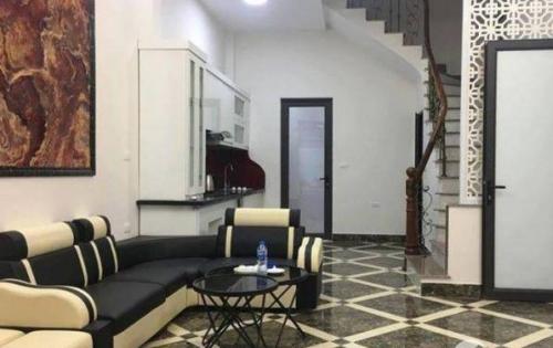 Nhà đẹp 5 tầng đường Nguyễn Trãi, DT 30m2, có nội thất. Giá 3,2 tỷ