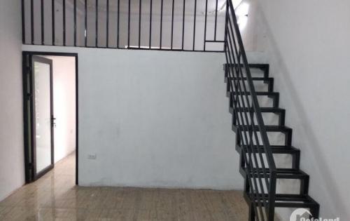 Bán nhà tập thể thuốc lá Thăng Long tầng 2, mặt đường Nguyễn Trãi