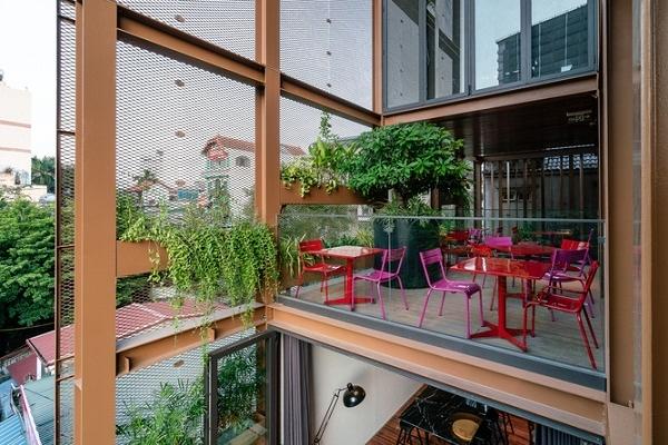 Khám phá coffee shop độc lạ ngay Trung tâm Hà Nội