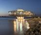 Ngắm nhà hàng tròn một chân trên hồ ở Brazil